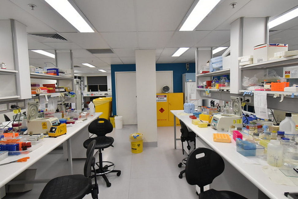 The laboratory wit the chairs and tables